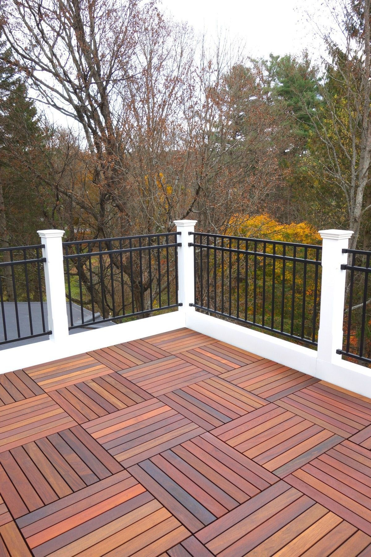 32 DIY Deck Railing Ideas & Designs That Are Sure to