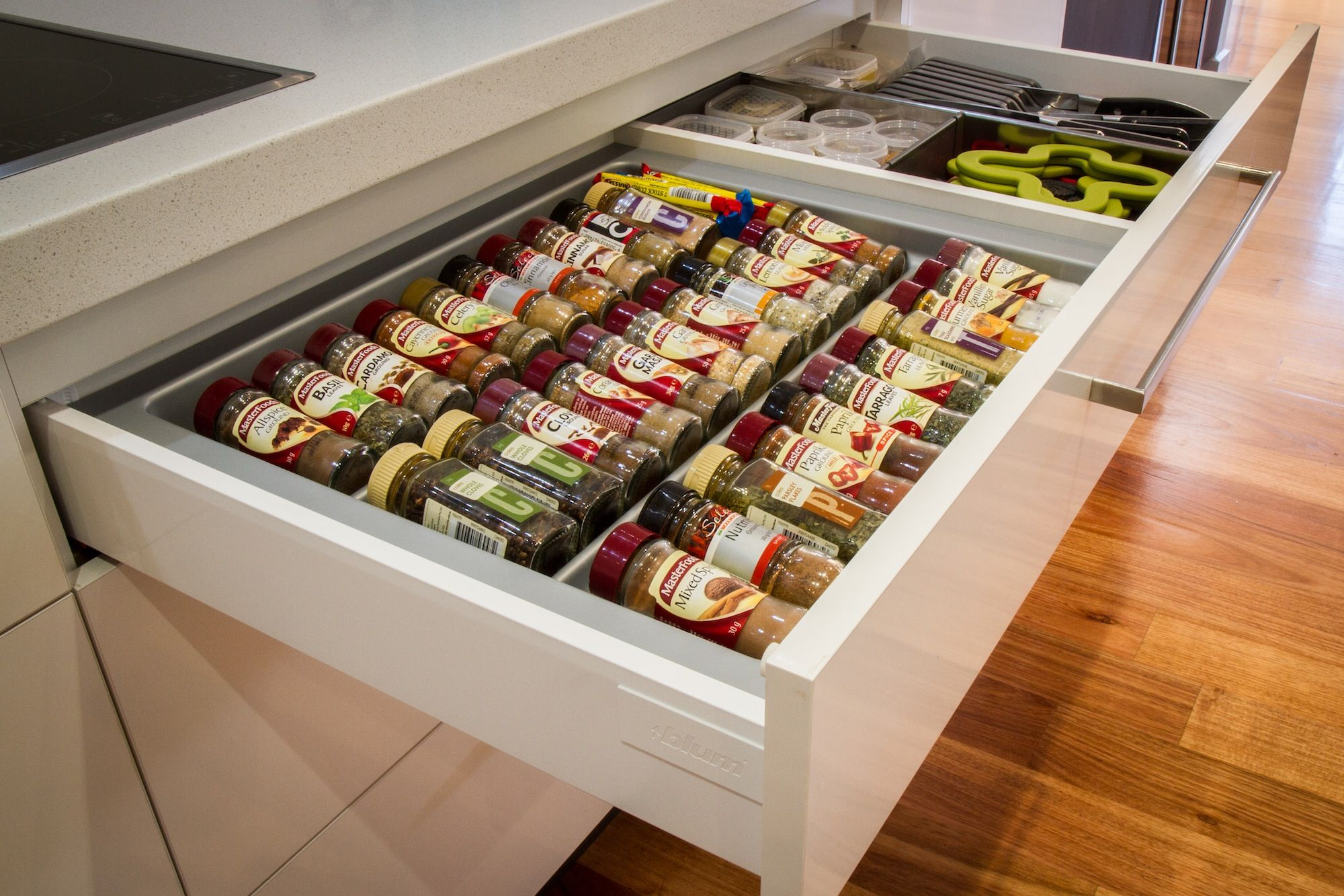 Kitchen Pantry Organizers Table For Two Spice Drawer Blum Thekitchendesigncentre