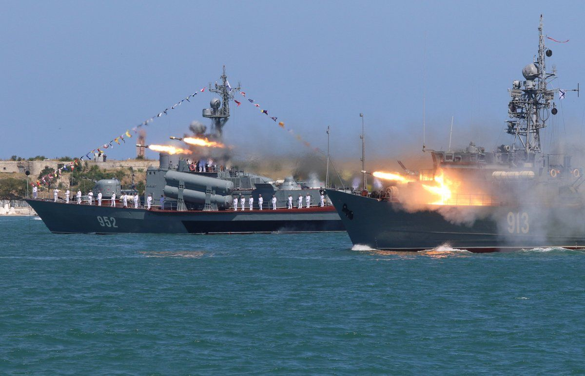 15 Photos Of Russia S Unprecedented Show Of Force For Navy Day Navy Day Photo Navy