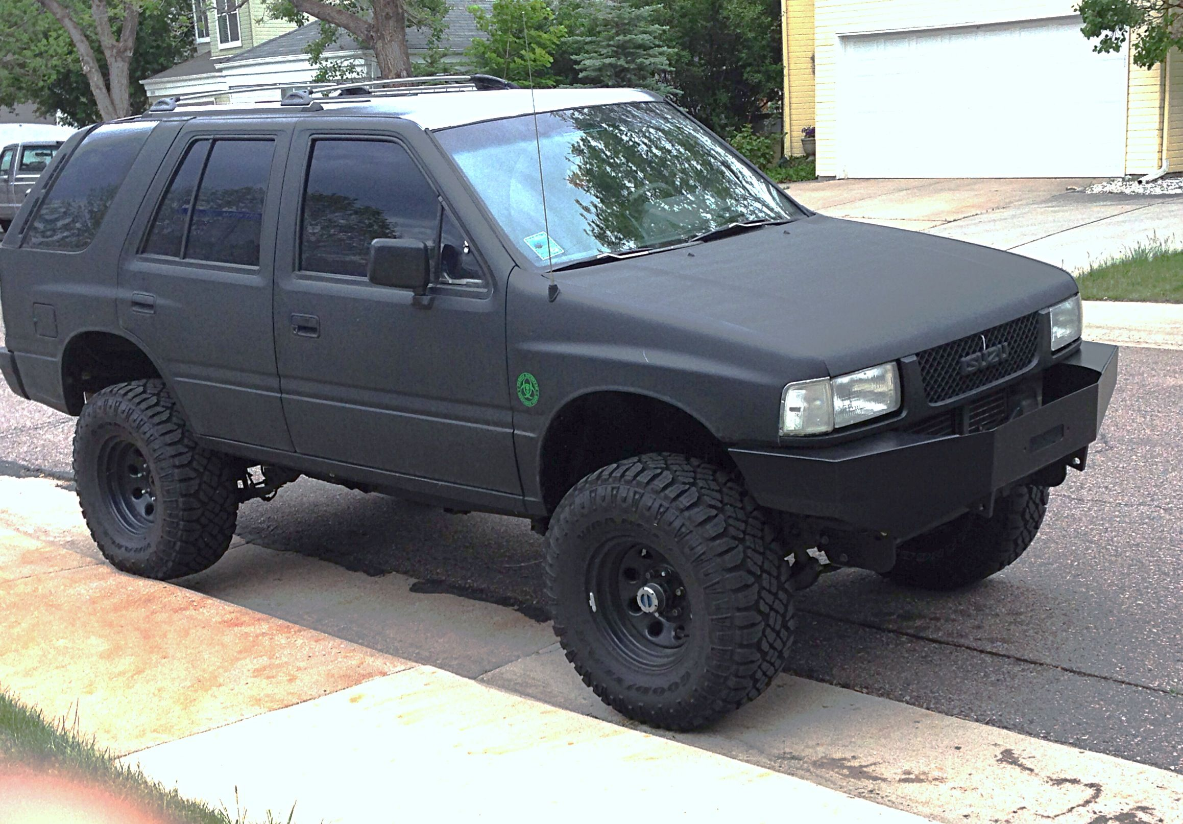Isuzu Rodeo After I Got My Homemade Bumper Back From Powder Coat Nissan Terrano 4x4 Trucks Nissan Trucks