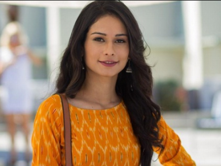 Aneri Vajani Biography, Wiki, Age, Net Worth, Career, BF