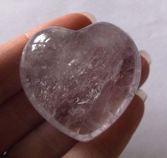 An Amethyst Healing Crystal Heart M.H6 por PeaceandSerenityGems