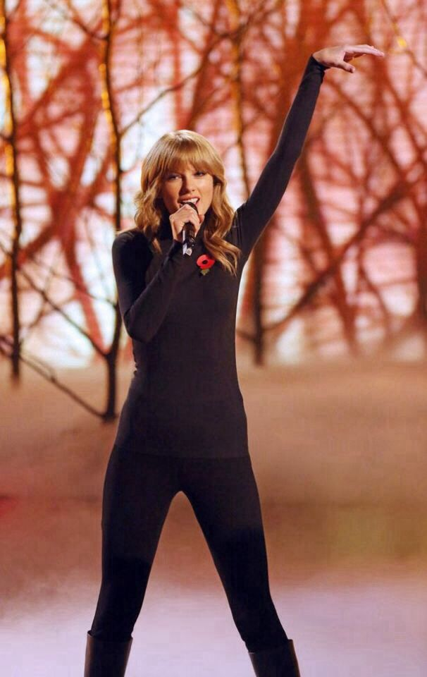 Performing On X Factor Uk The Last Time What A Lovely Performance Audrey Hepburn Look Taylor Alison Swift Taylor Swift Hot Taylor Swift Style