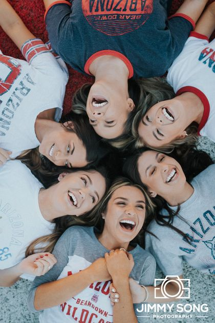 Senior Picture Ideas.   More: www.instagram.com/jimmysongcreative  University of Arizona. #graduation #grad #graduate #senior #cute #beautiful #ladies #inspo #inspiration #college