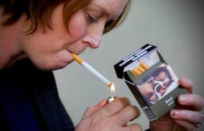 Dating για καπνιστές UK που έβγαινε με κάποιον που είχε κακή παιδική ηλικία.