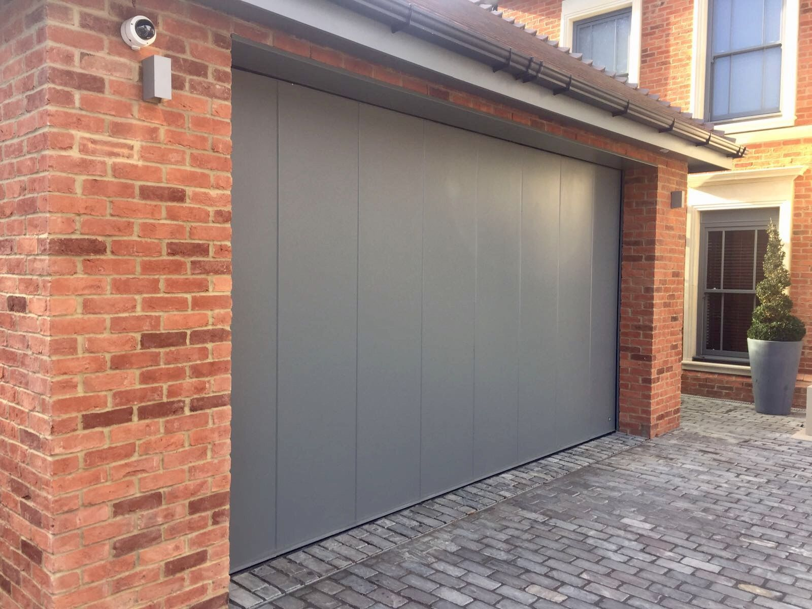 Ryterna side sliding garage door mouse grey garage for Garage side entry door