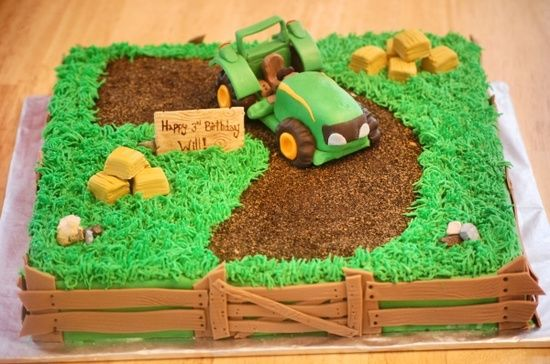 I Know A Little Boy That Needs Something Like This For His 2nd Birthday Tractor Cake Traktor Kuchen Traktor Geburtstagskuchen Kindergeburtstagskuchen