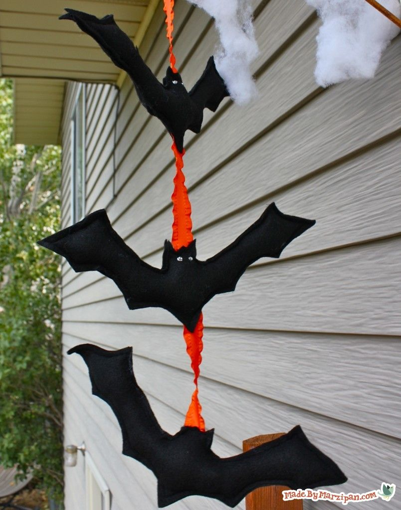 Make A Spooky Strand Of Hanging Bats Or Halloween Bat Bunting Free Printable Pattern
