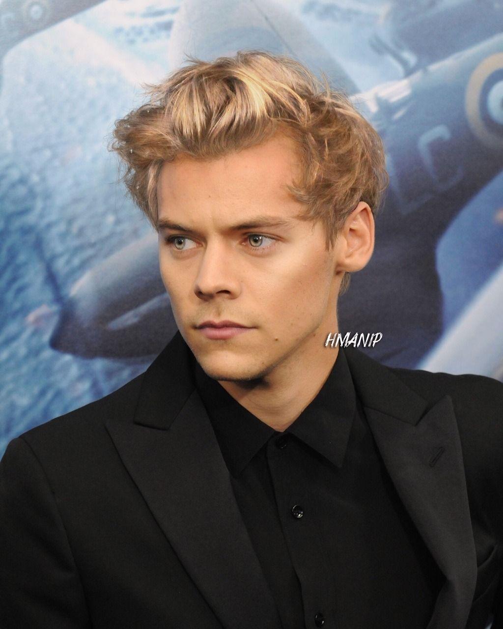 Blonde Harry In 2020 Harry Styles Hair Harry Styles Photos Harry Styles Edits