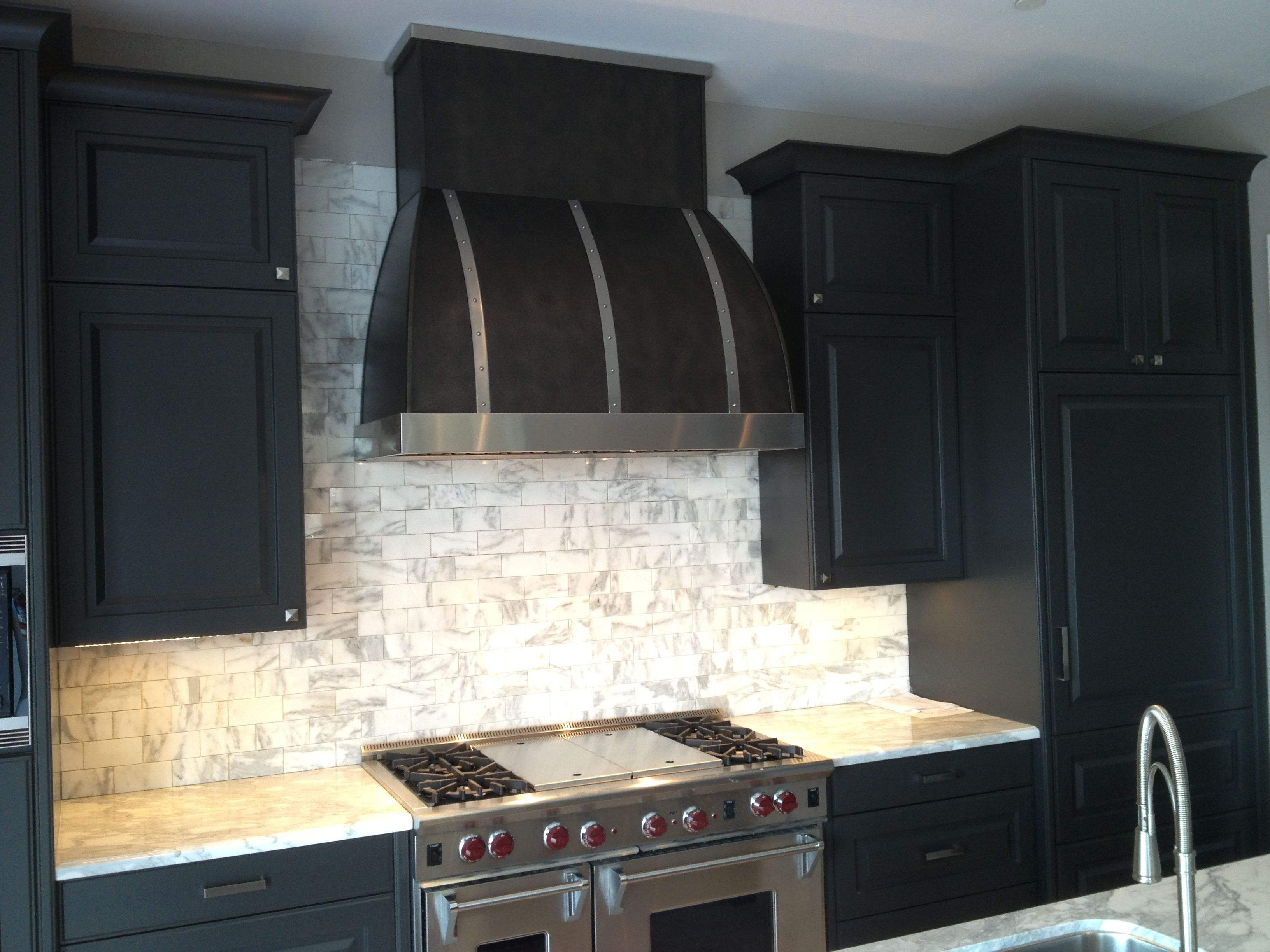 Restaurant kitchen hood stainless backsplash - Black Range Hood With Brushed Stainless Steel Trim By Www Customrangehoods Ca