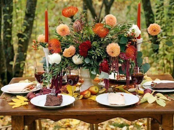 Herbst Tischdeko Natur Herbstliche Tischdeko Mit Apfeln Und ... #herbstlichetischdeko