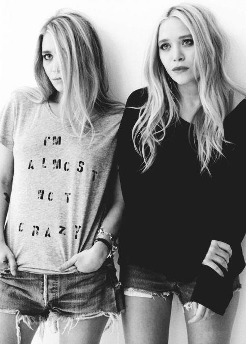 #marykateolsen #ashleyolsen #sisters #fashion #celebrities #blackandwhite #photography