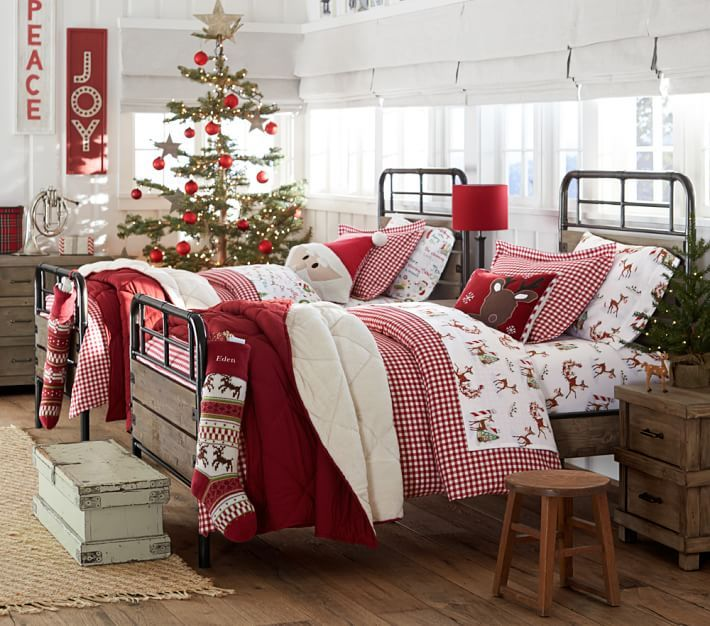 Sweet Dreams in a Christmas-Themed Bedroom