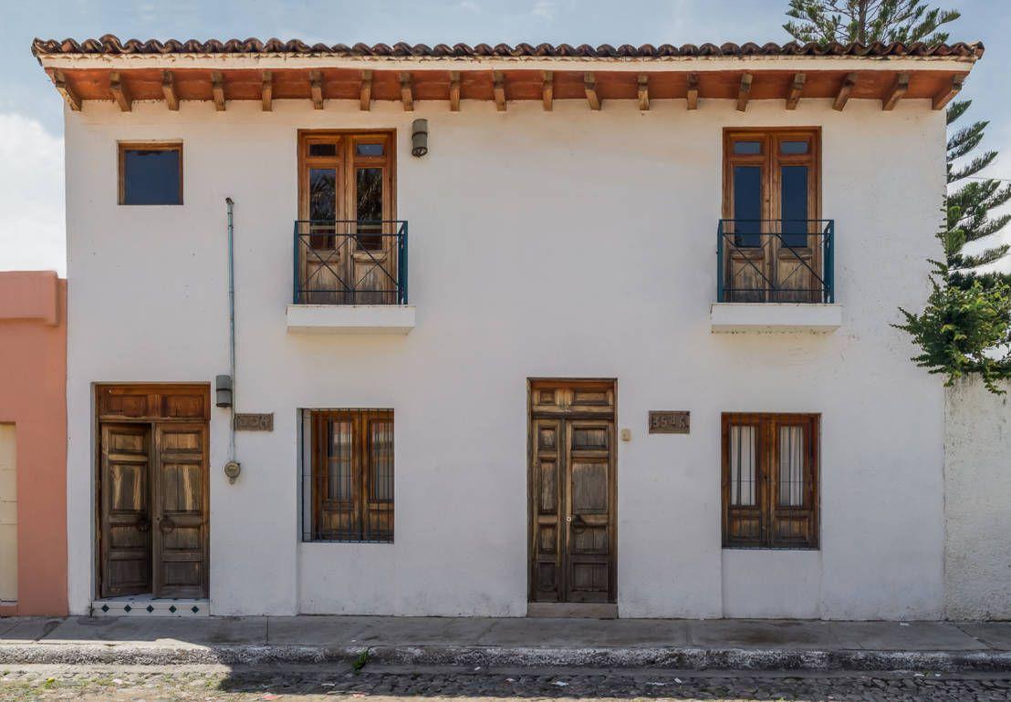 Modesta por fuera perfecta por dentro esta casa te for Imagenes de fachadas de casas rusticas mexicanas
