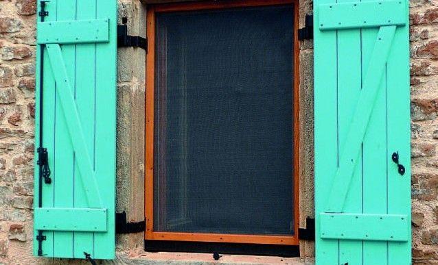 fabrication d'une moustiquaire amovible pour cadre de fenêtre