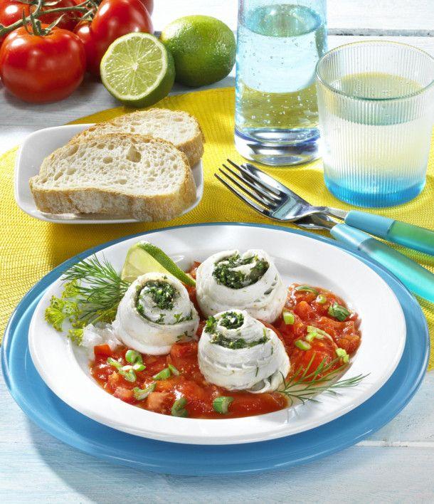 Unser beliebtes Rezept für Schollenröllchen in Tomatensoße und mehr als 55.000 weitere kostenlose Rezepte auf LECKER.de.