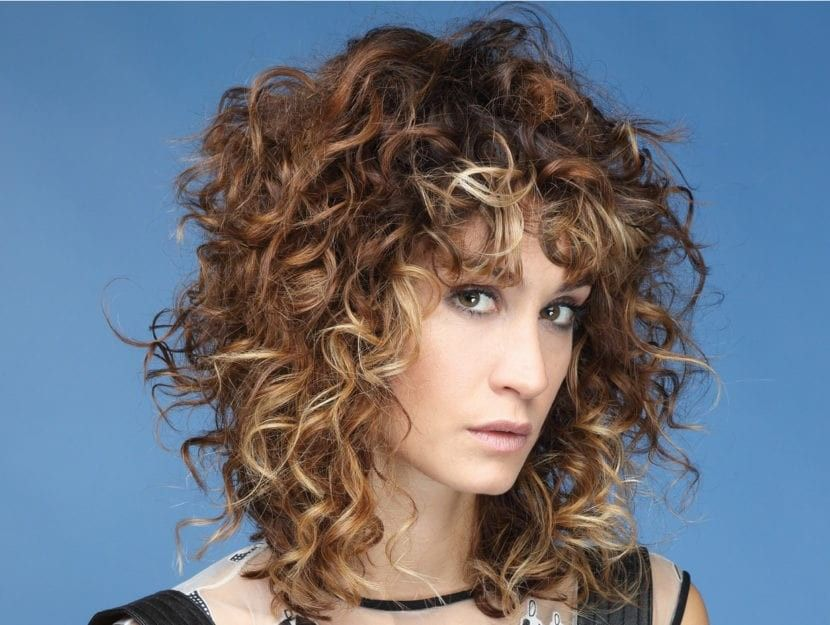 Pin by lucrezia on Curly short and medium hair | Short ...