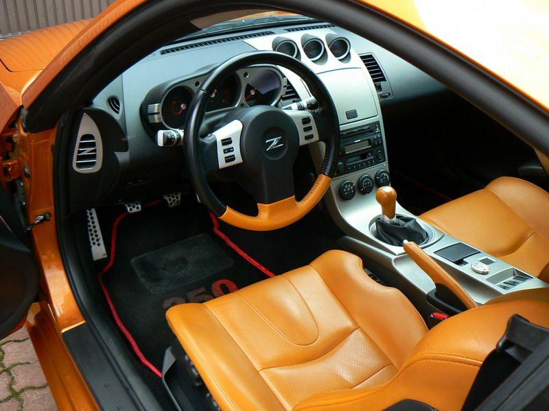 NISSAN 350Z. Nice Interior Mods.