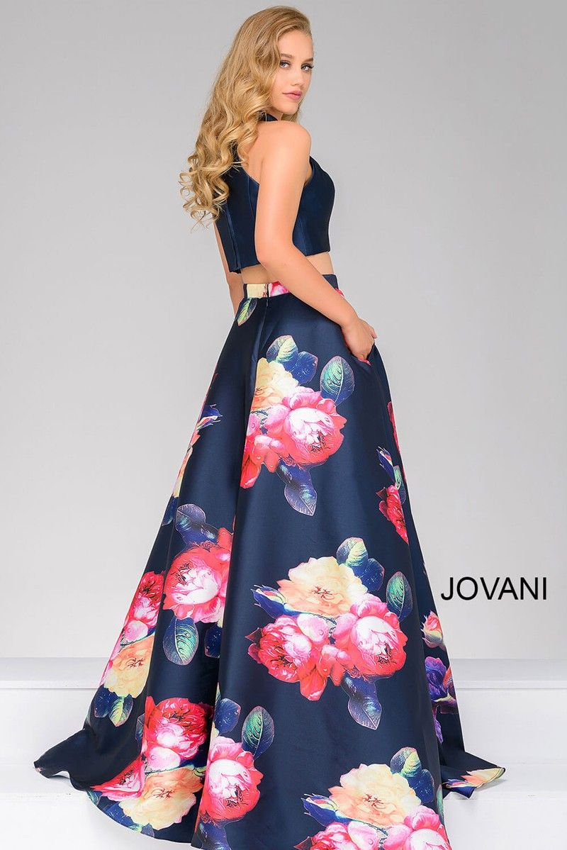dc72c76dae2  Faviana Style S7982 offers a floral and flirty spin on the  two-piece trend.  The  fitted