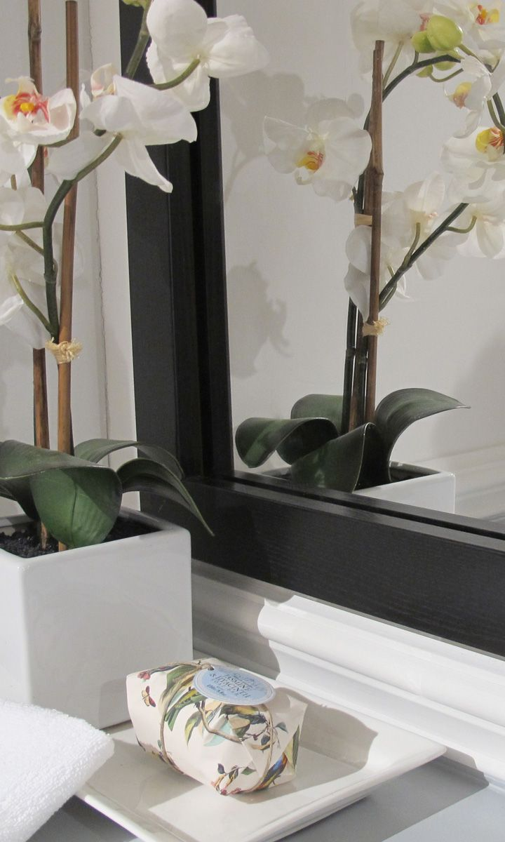 Add a custom detail with a mirrormate mirror frame goes