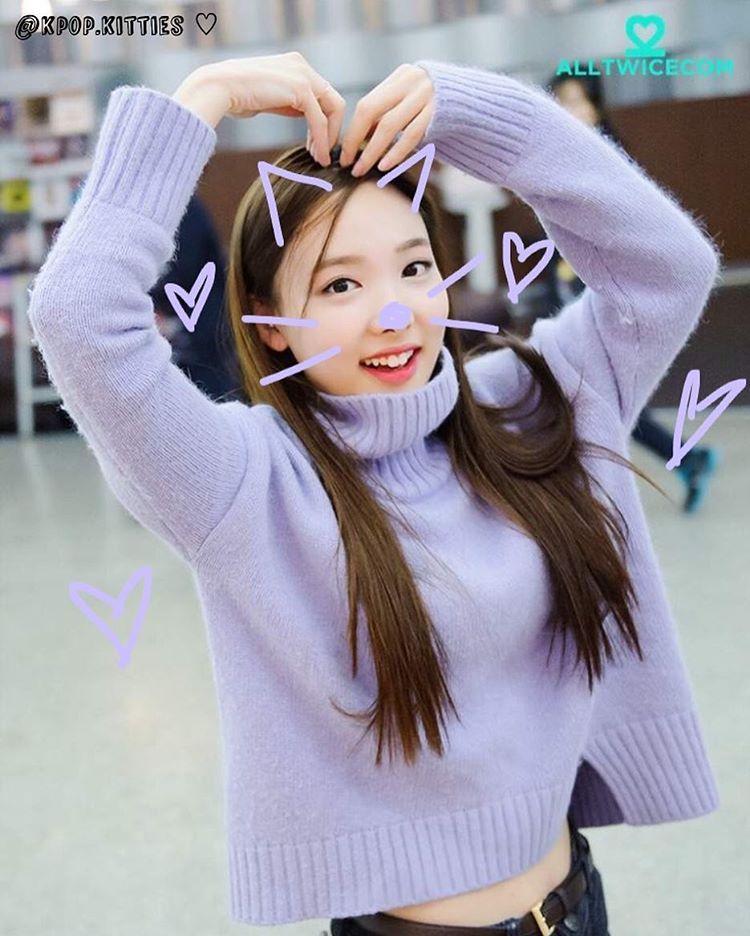 Idol Nayeon Group Twice Requested By Myself Hashtags Nayeon Twice Catifiedkpop Cats Catsofinstagram Cute Kawaii Nayeon Twice Nayeon Kpop Girls