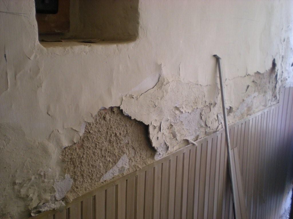 Consejos para reparar las paredes con humedad - http://www.decoluxe ...