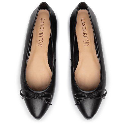 Pin By Beata Kukulska On Oliwkowe Nowosci Chanel Ballet Flats Ballet Flats Shoes
