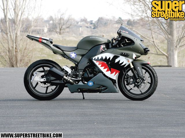 Custom 2006 Kawasaki Ninja ZX10R 3 640x480