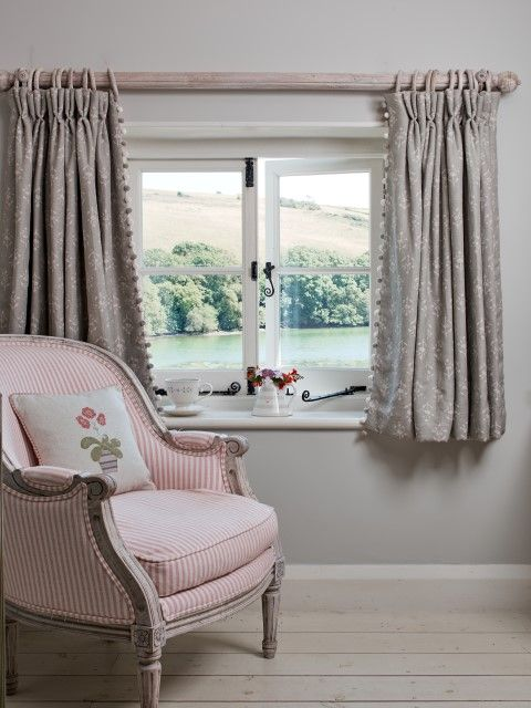 With Small Cottage Windows Shorter Curtains Emphasis The Shape Of The Window And Allow More Light Into Th Curtains Living Room Cottage Curtains Short Curtains
