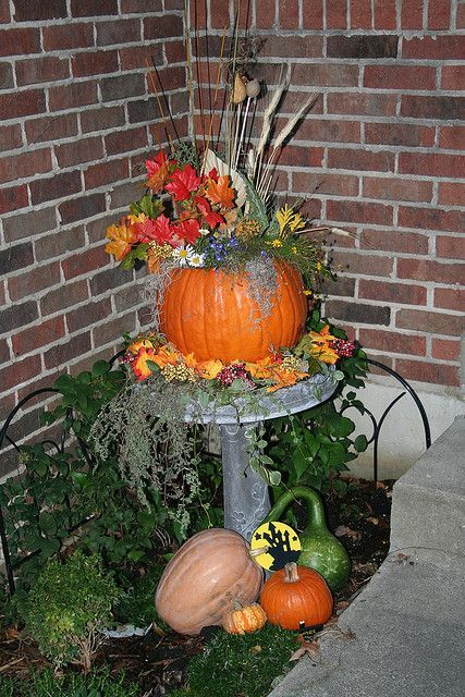Fall Harvest Decorations Outside