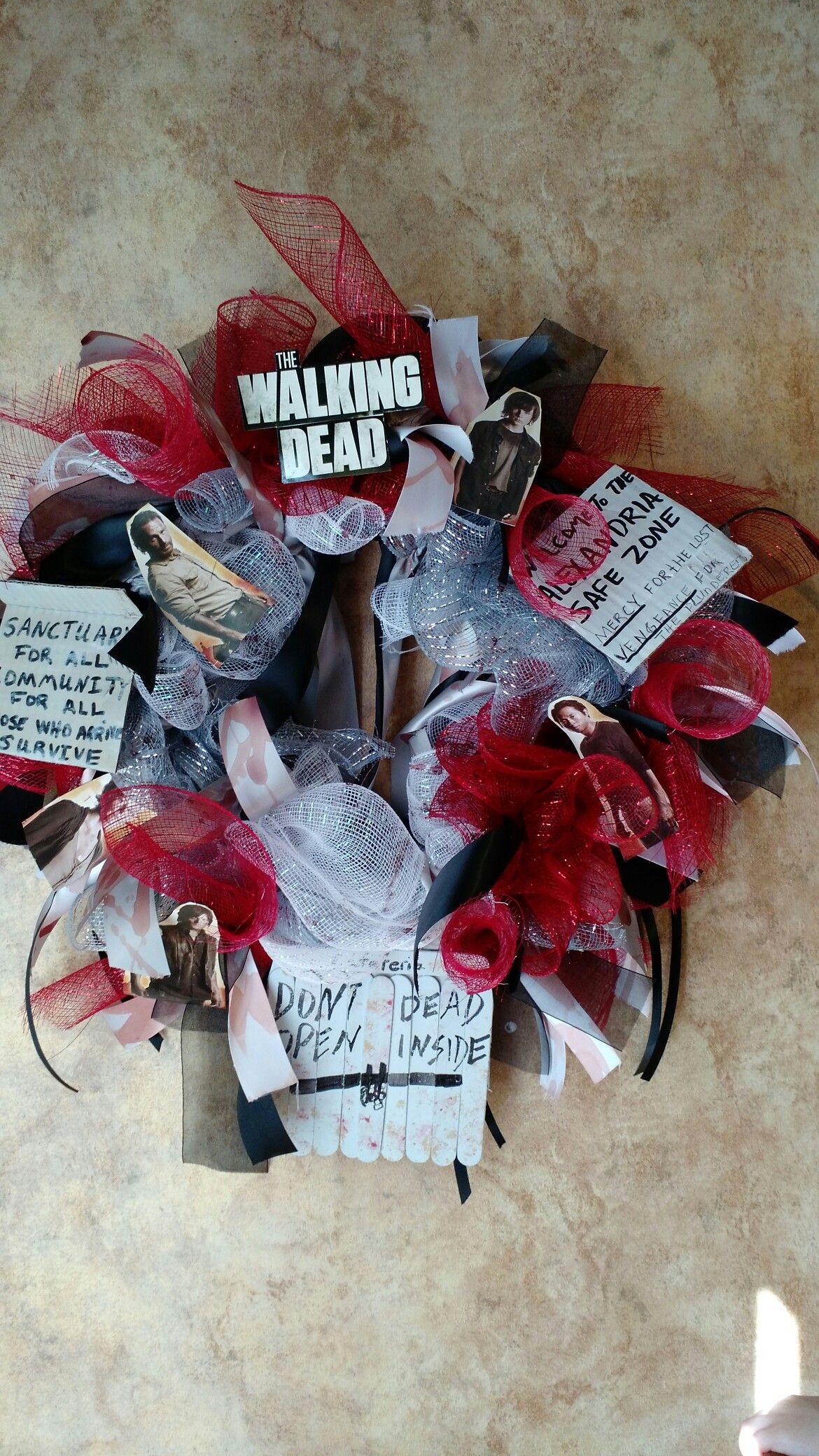 Walking dead wreath | Halloween front door decorations ...