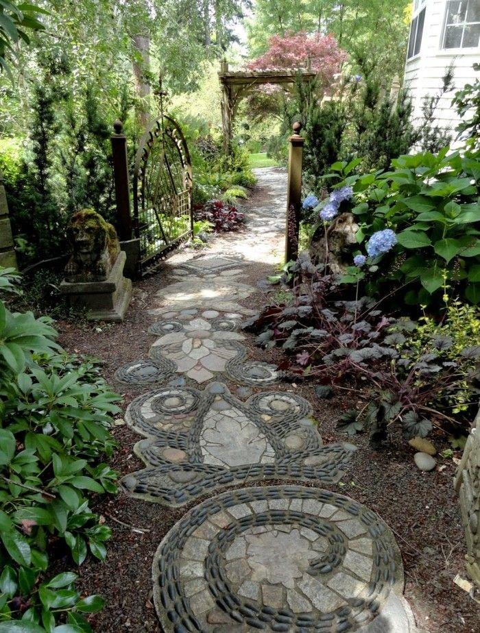 Die Gartenwege verantwortlich anlegen und gestalten ...