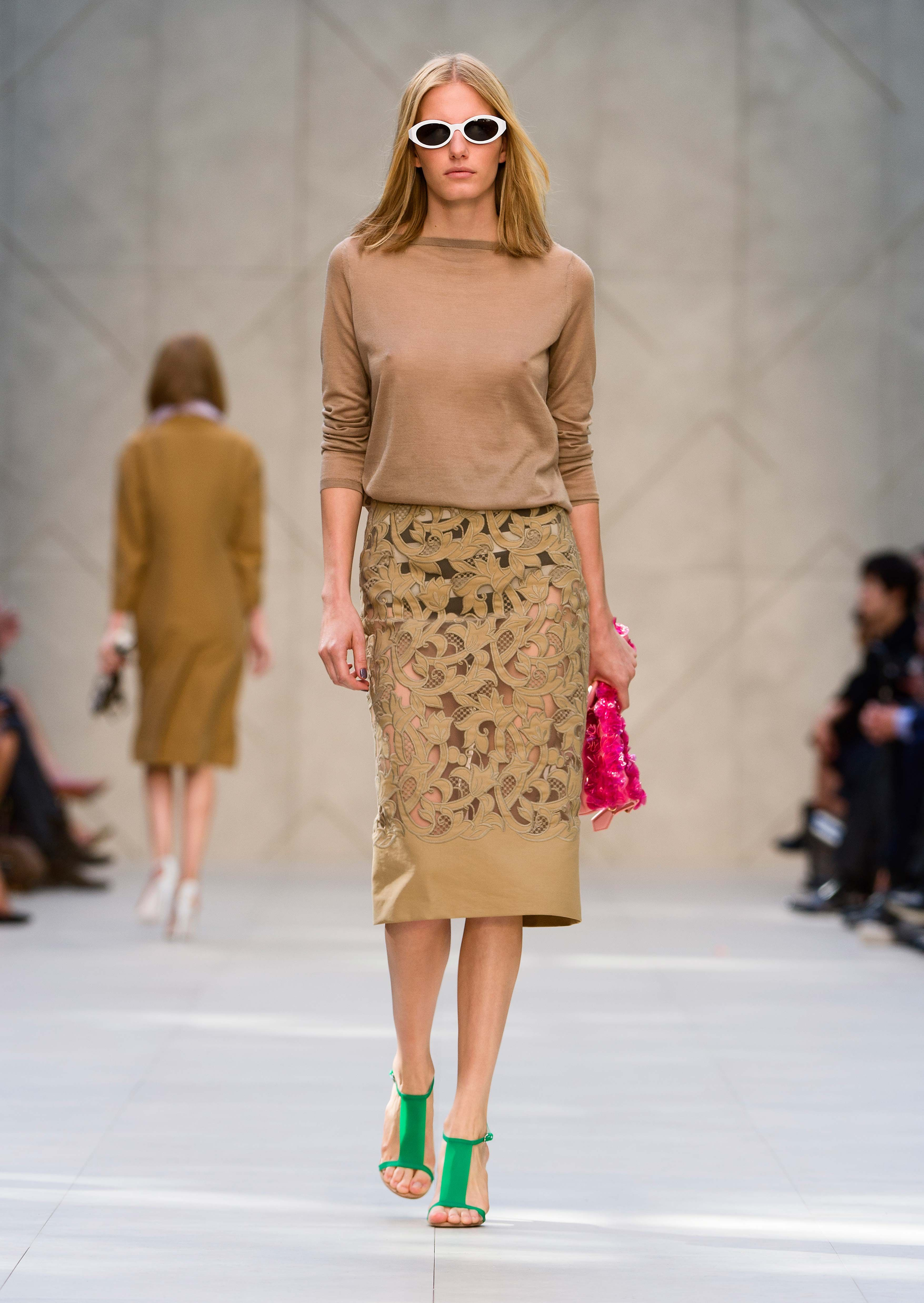 Camel cashmere twist back sweater with embroidered pencil skirt - The  Burberry Prorsum S S14 Collection f657c6346