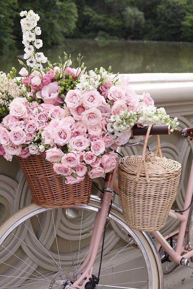 🌸Recibimos la primavera!🌸 Radiantes con nuestra colección #Essentials • Descubrí más en #BarbaraDoutzen.com {link in bio} facebook.com/barbaradoutzen 📷@blaireadiebee