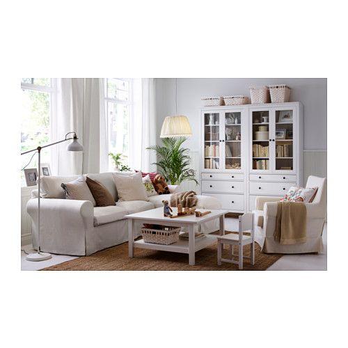 HEMNES Vitrine mit 3 Schubladen - weiß gebeizt - IKEA IKEA Hacks - wohnzimmer landhausstil weiß