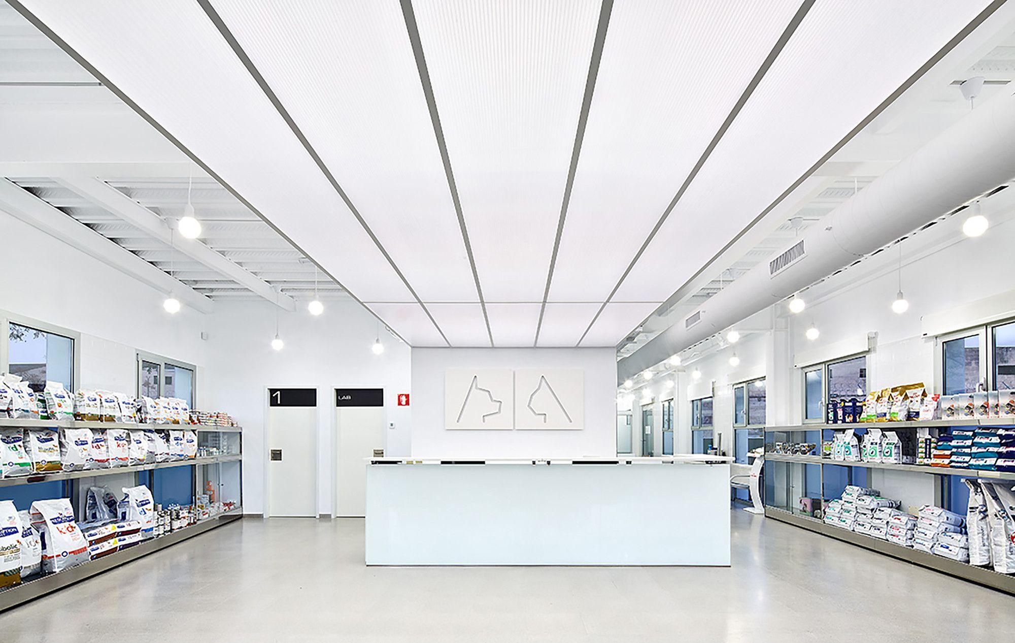 Galería de Hospital Veterinario Canis Mallorca / Estudi E
