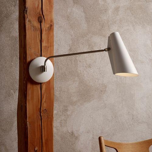 Birdy vegglampe designet av Birger Dahl har et modernistisk og orginalt utrykk. Lampen tilhører en bord, vegg- og gulvlampe serie designet i 1952. Lampe serien ble produsert og solgt av det norske kraftselskapet Sønnico (Oslo) i mange år. Lampen har fått tildelt den høyt respekterte gullmedalje på Milan Triennale messen i 1954.I 2013 besluttet Northern Lighting å relansere denne klassikeren og bevare den opprinnelige form og svært funksjonelle funksjoner. Lampeserien er tilgjengelig...