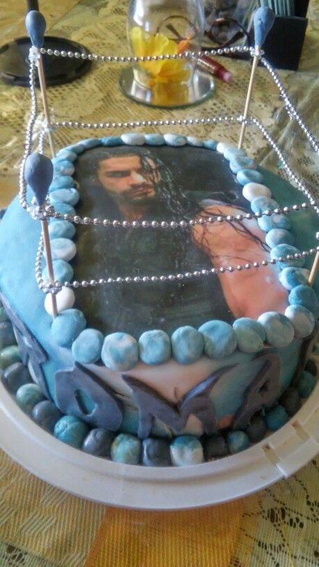 roman reigns cake i made my daughter
