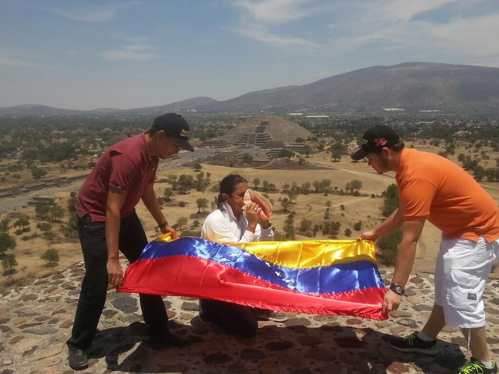 Dos Santos: ''Capriles y Leopoldo, prepárense. Se acerca oportunidad de oro para liberar a Venezuela''