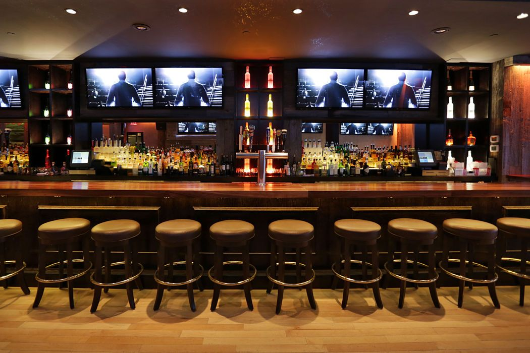 Sports Fan? 5 Places to Watch the Game Sport bar design