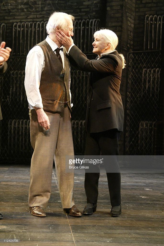 Paul Newman With Wife Joanne Woodward Takes His Emotional Final Curtain Call In Our Town On Broadway Paul Newman Joanne Woodward Paul Newman Joanne Woodward