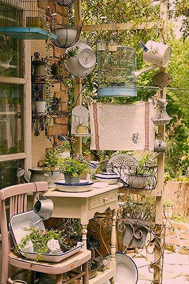Tips and Examples of Beautiful Small Garden Design Ideas