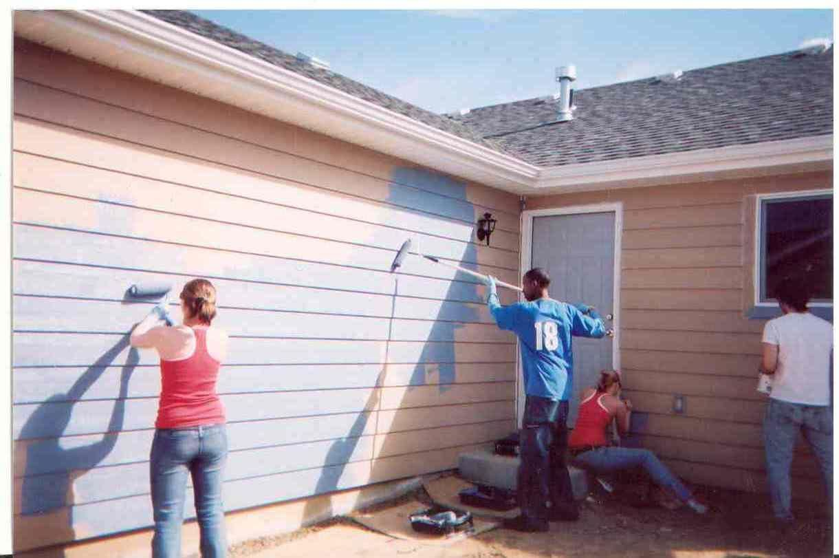 People painting houses - People Painting House Exterior