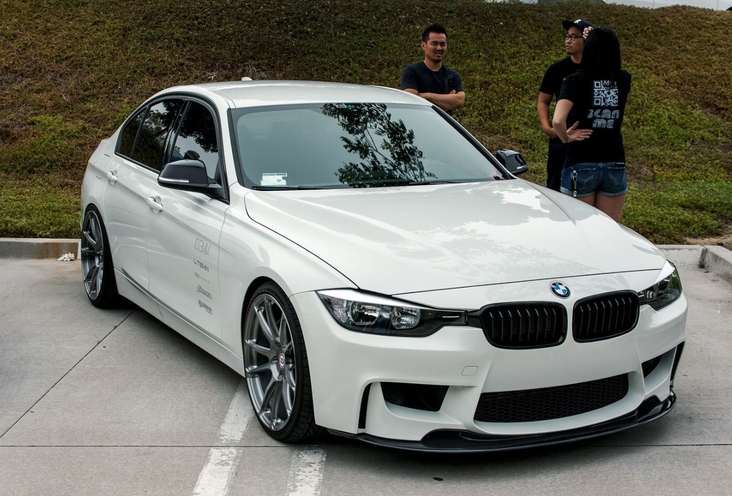 Bmw white bmw series is the generation of bmw s top selling 3 series the car will also be available as a touring vers