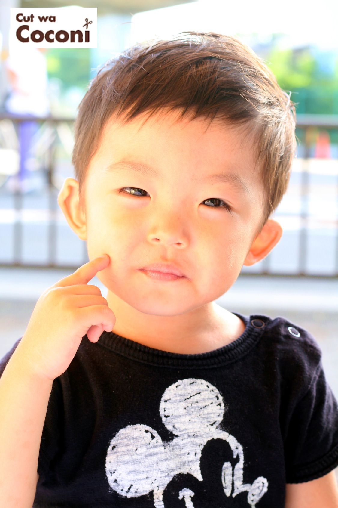 かわいいお子様カット めっちゃかわいい男の子 男の子のヘアスタイル 2歳 男の子 髪型 キッズカット 男の子
