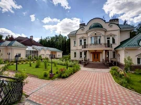 Beautiful Home In Moscow Russia Luxury Homes House Estate