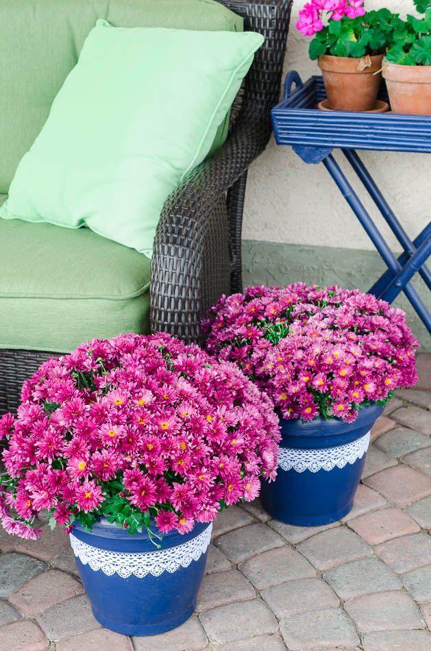 the high end makeover for plain plastic plant pots. Black Bedroom Furniture Sets. Home Design Ideas