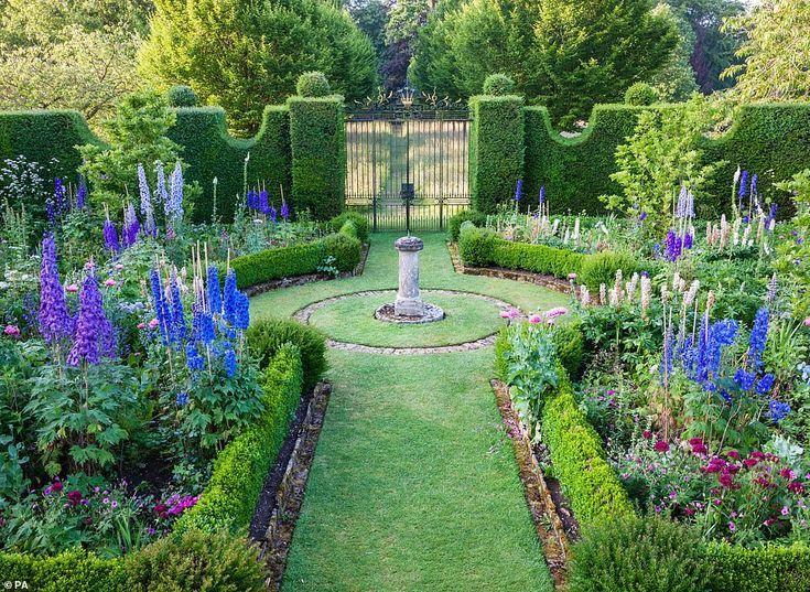 Formal gardens french  formale gärten französisch  jardins à la française  jardines formales franceses  formal gardens french english formal garde...
