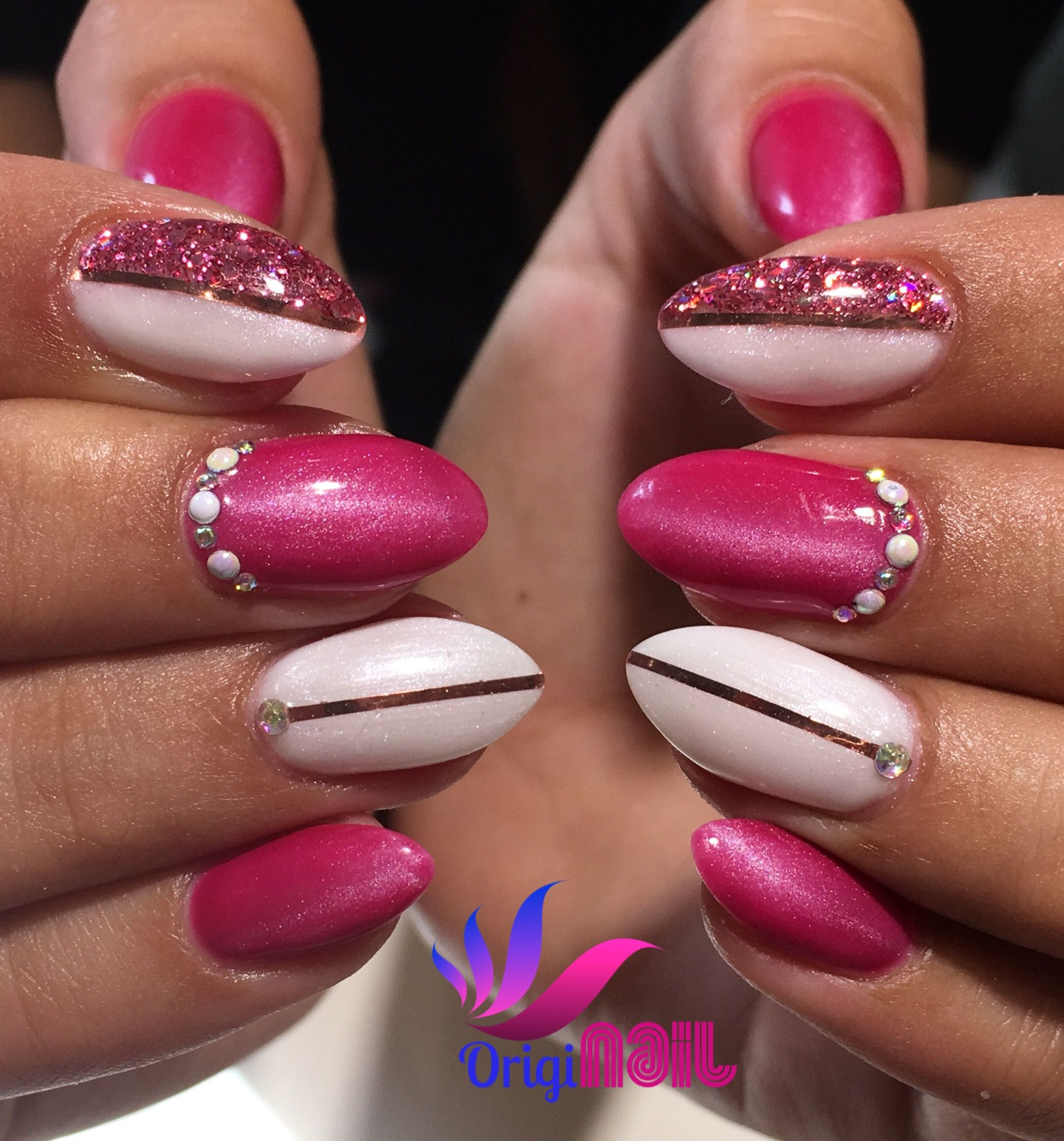 nail design stripe rosé pink wakey wakey light elegance cateye