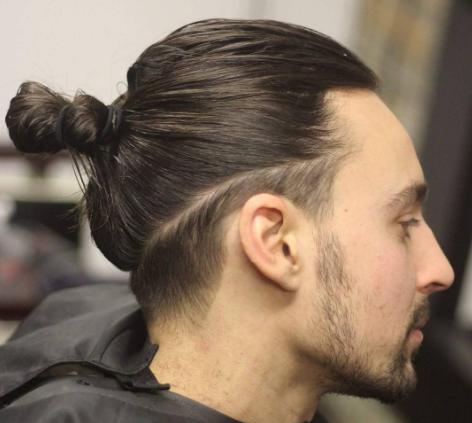 Man Bun hair style   Pria rambut panjang, Gaya rambut pria ...